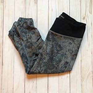 MPG Capri Yoga Pants